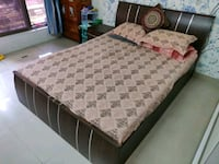 Double Queen Bed with Side Table in Good Condition Mumbai, 400067