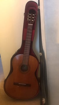 brown classical guitar with case Richmond, 94804