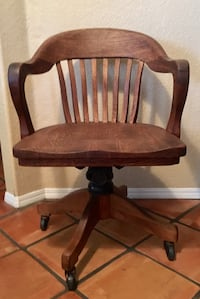 Old All wood office chair in excellent condition ! Bakersfield, 93311
