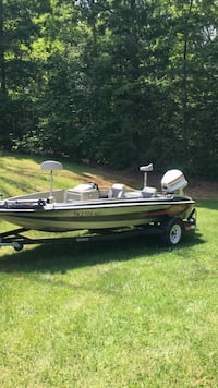 1989 stratos  bass boat Knoxville