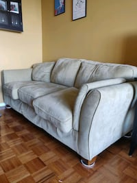 Comfortable Couch for free Bethesda, 20813