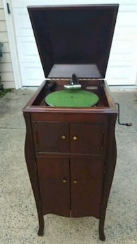 1919 Antique Victrola Phonograph Record Player Fairfax, 22032