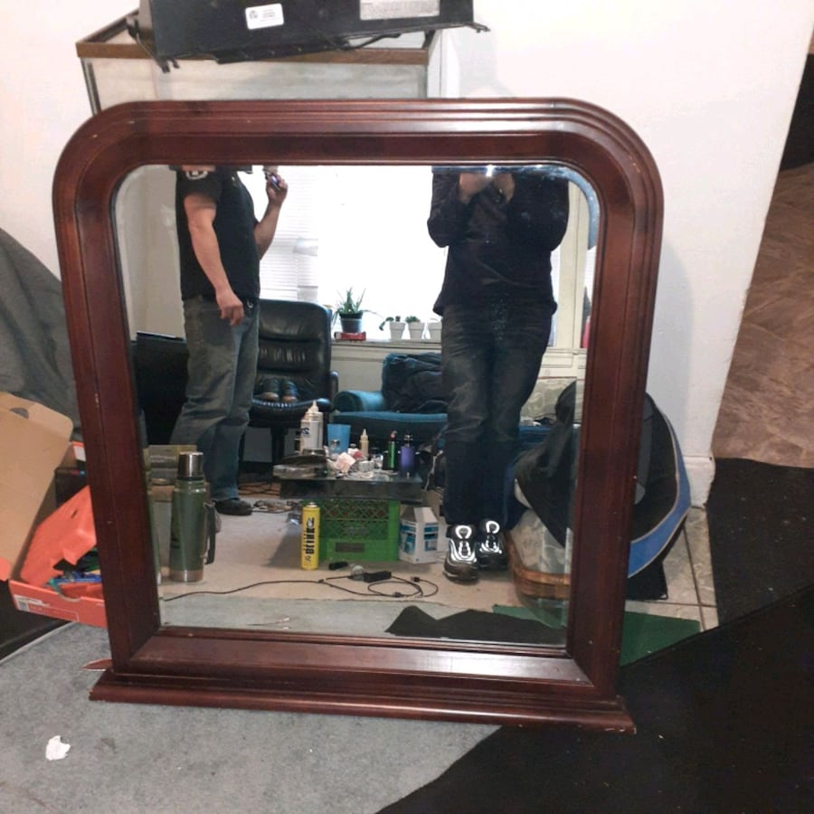 Very Large,classy mirror in *EXCELLENT CONDITION *