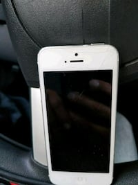 white iPhone 5 with case Newport Beach, 92660