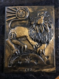 Wood Leo wall decor 9x12 with description on back  Laval, H7G