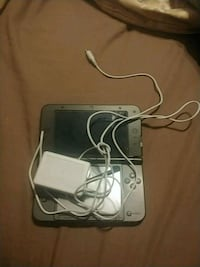 Black 3DS with charger and stylist  Brantford, N3R 6P7