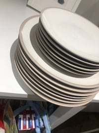 Dinnerware plates  London, E1 1ES