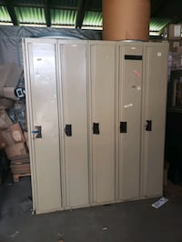 Steel Lockers. All different Sizes. ** Free **