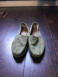 TOMS women size 10 forest green Barrie, L4N