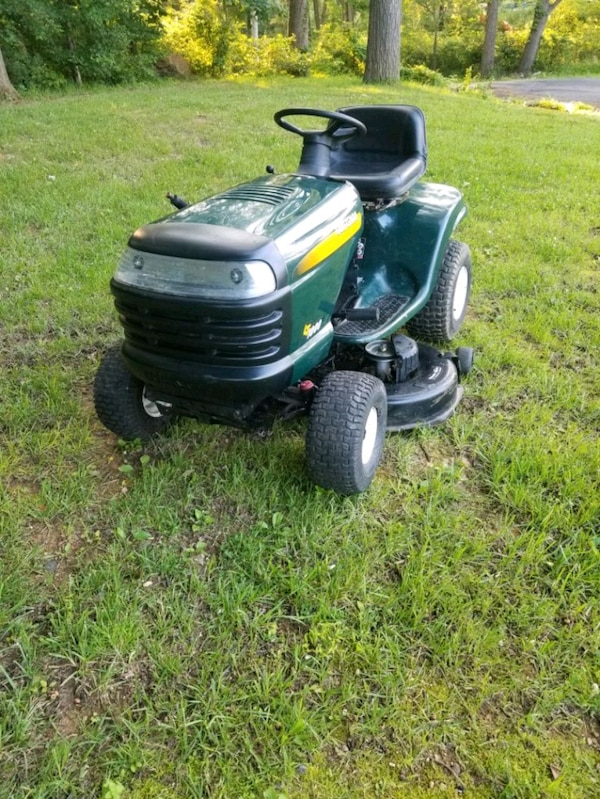 Craftsman LT1000 Lawn tractor/Riding mower