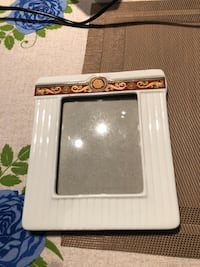 Picture frames (total 4)