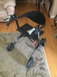 Foldable walker with seat Toronto, M4A 2J7