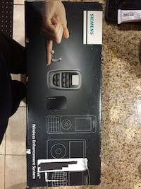 Black and gray digital device