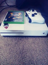 white Xbox One console with controller Las Vegas, 89108