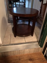 Brown wooden round side table Hanover, 21076