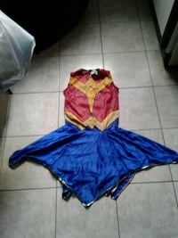 Girls wonderwomen outfit ages 7/8 713 km