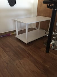 rectangular white wooden coffee table Los Angeles, 90027