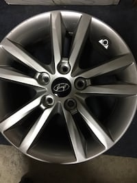 "(4) 2016 hyundai  Sonata   16"" wheels. All set of four for $250 only 20,000 miles on them San Marcos, 92069"