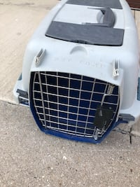 White and blue pet carrier Norridge, 60706