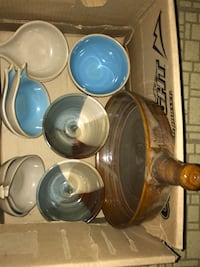 Box of never used pigeon forge pottery  264 mi