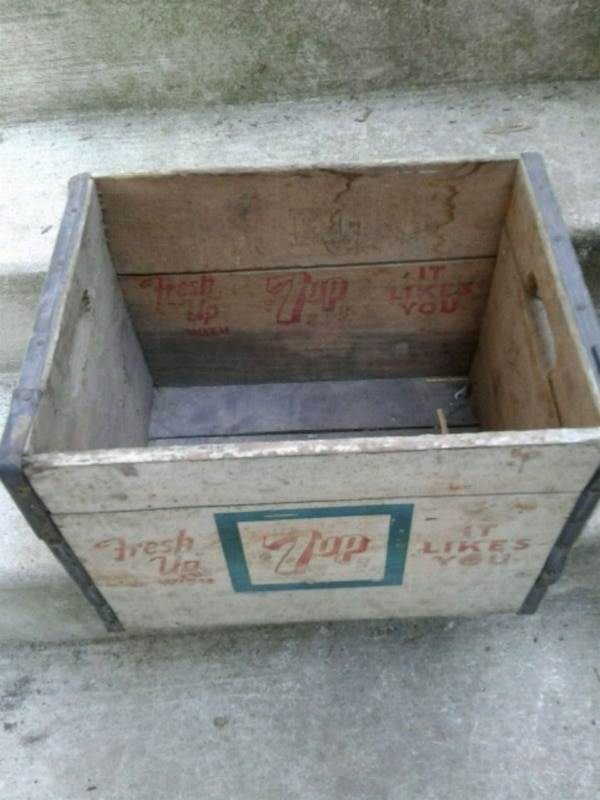 Old Wooden 7-Up crate