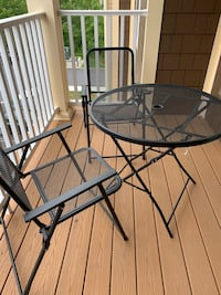 """32"""" Round patio table with 2 chairs"""