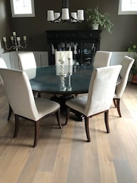 Large Round Wooden Dining Table Calgary, T2N 2W7