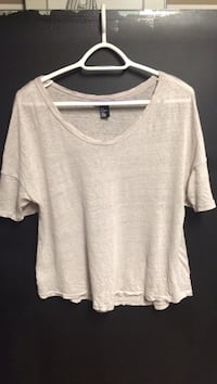 Blush crew-neck shirt size medium