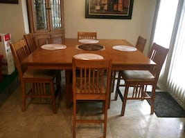 HighTop Kitchen Table and Chairs