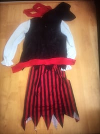 pirate costume - adult woman