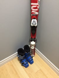 Kids skiing binding and Boots  554 km