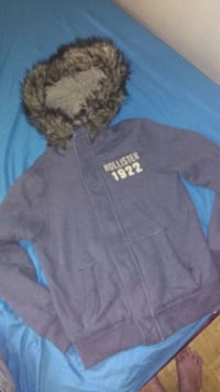 Hollister sweater/jacket Toronto, M4C 2H1