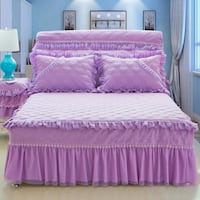 king size  bed skirt and comfort cover  Brossard, J4W 2Y8