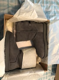 Gray ugg bailey bow boots with box 1459 mi