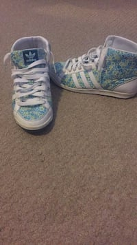 Adidas high tops size 6 Brampton