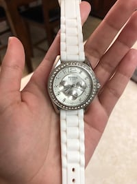 round silver-colored chronograph watch with white link bracelet 1701 mi
