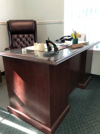 brown wooden desk with black leather rolling chair Babylon, 11702
