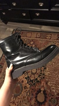 combat boots  Knoxville, 37912