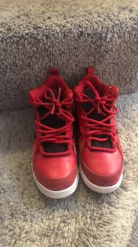 pair of red Air Jordan basketball shoes Byram, 39272
