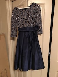 Pretty short navy and gold dress size 10  Halifax, B3K 2B4
