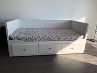 Day Bed (Twin/Queen) with two twin mattress 25 km