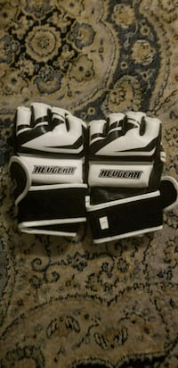 New Revgear MMA Boxing Sparring Gloves Chicago
