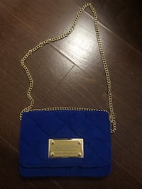 Navy blue posh crossbody bag with gold hardware 556 km