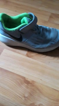 Child Nike size 2 Crofton, 21114
