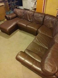 Brown Leather Sectional Couch in great condition Detroit, 48201