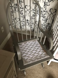 Gray rocking chair, with washable cushions Richmond Hill, L4S 2L3