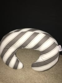 Unisex nursing pillow