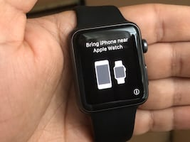 Apple Watch 42mm Series 1 (with 3 extra bands)