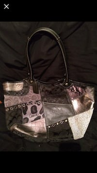 Coach purse   Barrie, L4N 8Z7