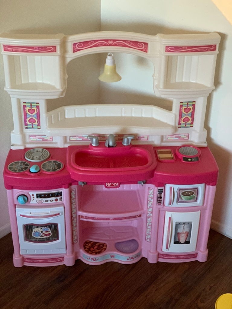Photo Step 2 kids play kitchen